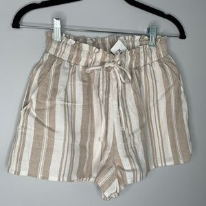 NWT linen shorts with tie